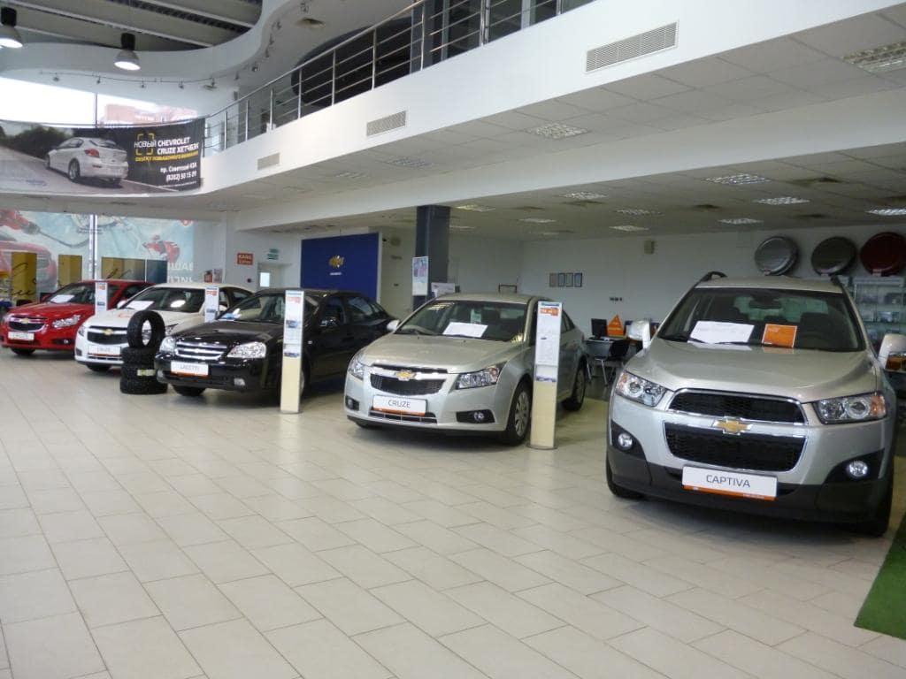 Будет больше довольных клиентов: ГИБДД убеждают дилеров регистрировать продаваемые автомобили
