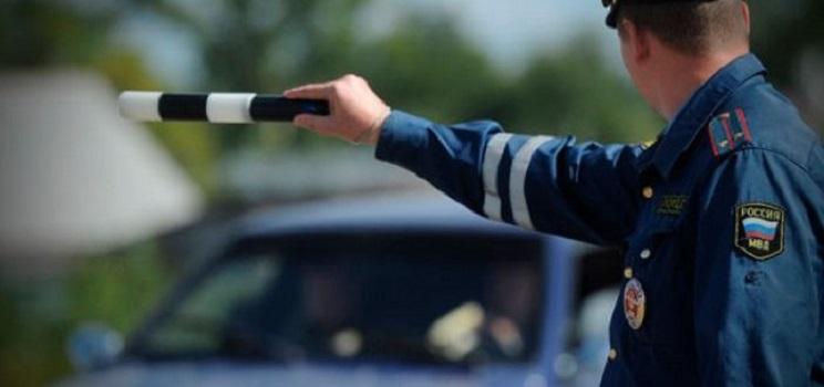 За отсутствие одного из боковых зеркал: какие неожиданные штрафы на дороге подстерегают водителей