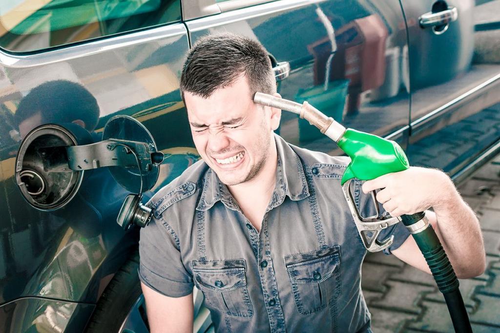 Заменить топливный фильтр, а также промыть бак: водителям рассказали, что нужно делать, если в бак попало некачественное топливо