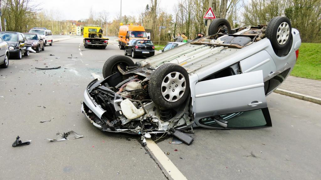 Много неисправных авто: автоэксперты предупредили водителей о новой опасности на дорогах