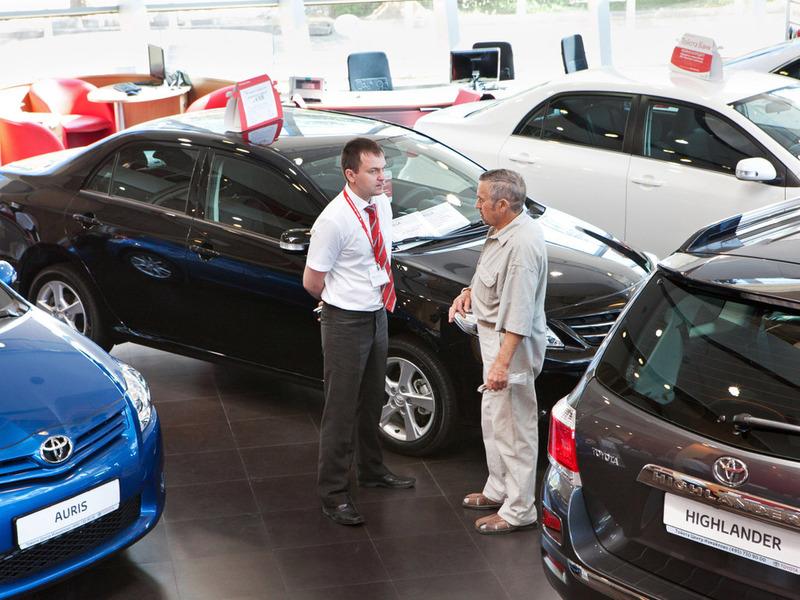 Более 56 тысяч новых авто: россияне стали покупать больше импортных автомобилей