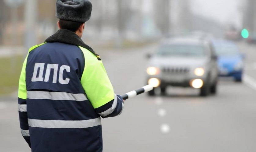 До полумиллиона рублей: юрист предупредила российских водителей о штрафах этим летом