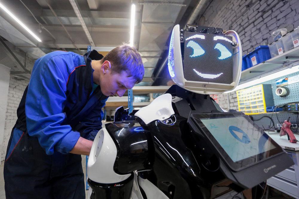 Сколько людей могут потерять работу в ближайшем будущем из-за внедрения во многие процессы пятого поколения самоуправляемых машин