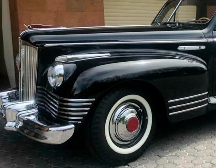 Житель Москвы выставил на продажу редкий советский лимузин 1948 года выпуска