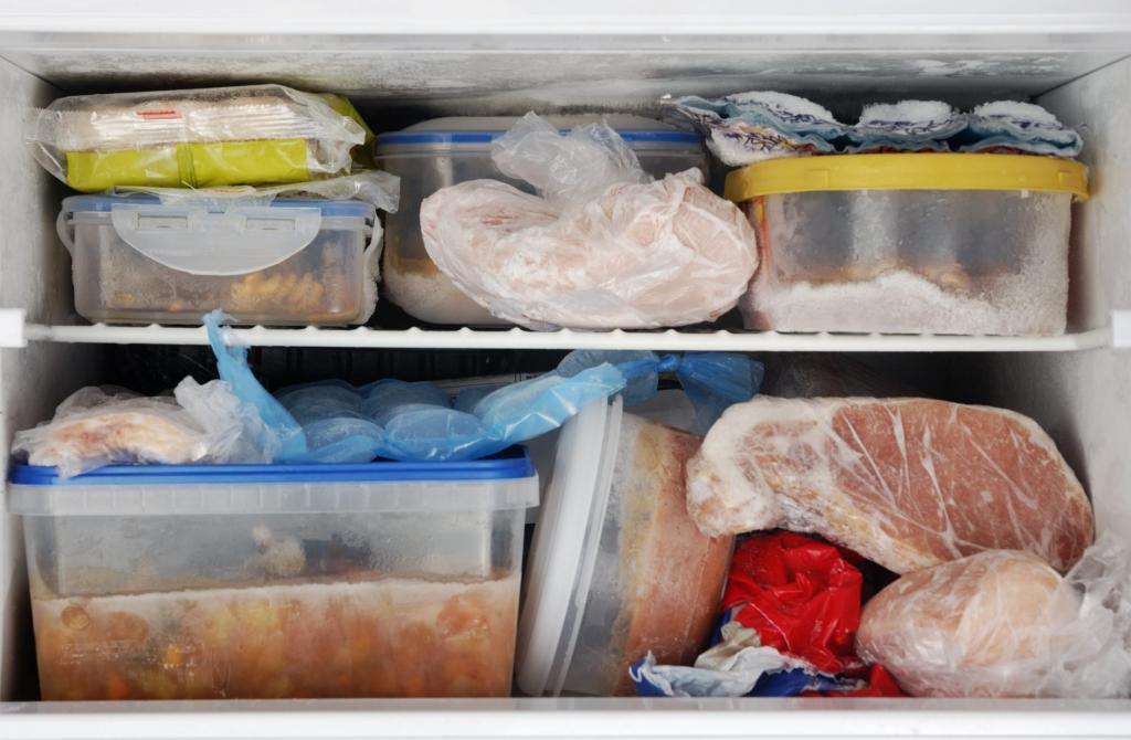 Ходить в магазин за час до закрытия, замораживать, планировать меню: как экономить, если у вас большая семья
