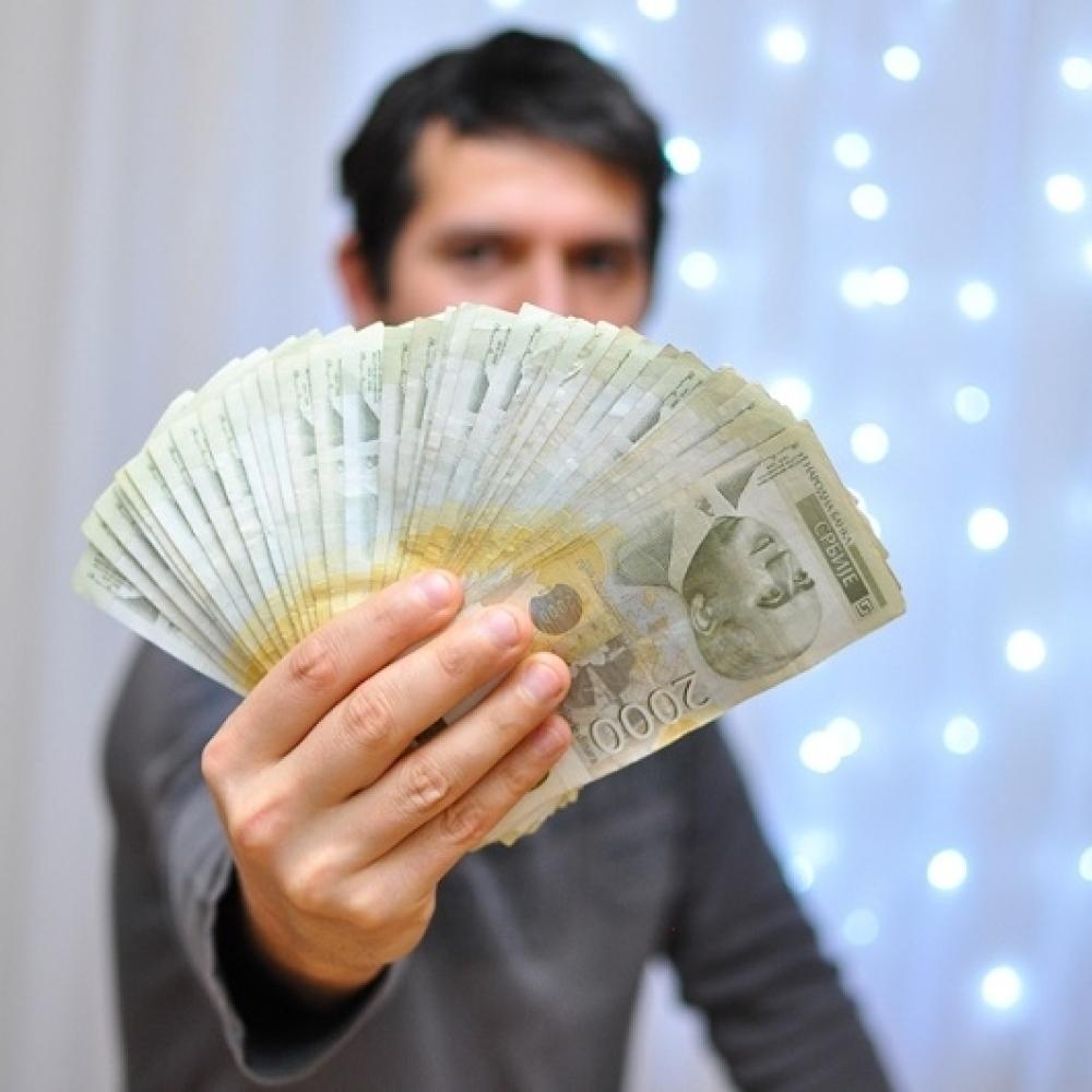 Как привлечь больше денег в свою жизнь: используем закон энергетического притяжения