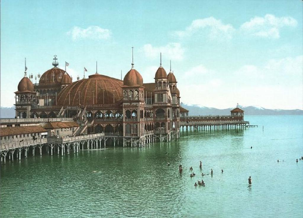 """""""Потерянная архитектура"""": в популярной онлайн-группе делятся старыми снимками не уцелевшей архитектуры в первозданном виде"""