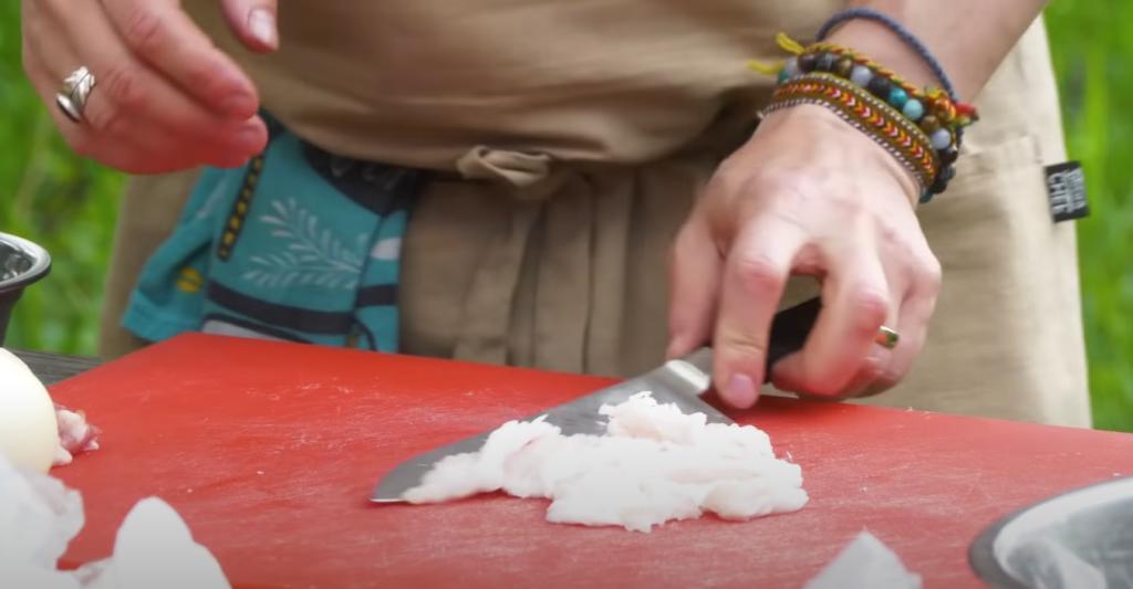 В Турции готовят фарш не так, как у нас: добавляют в него минералку (хитрость)