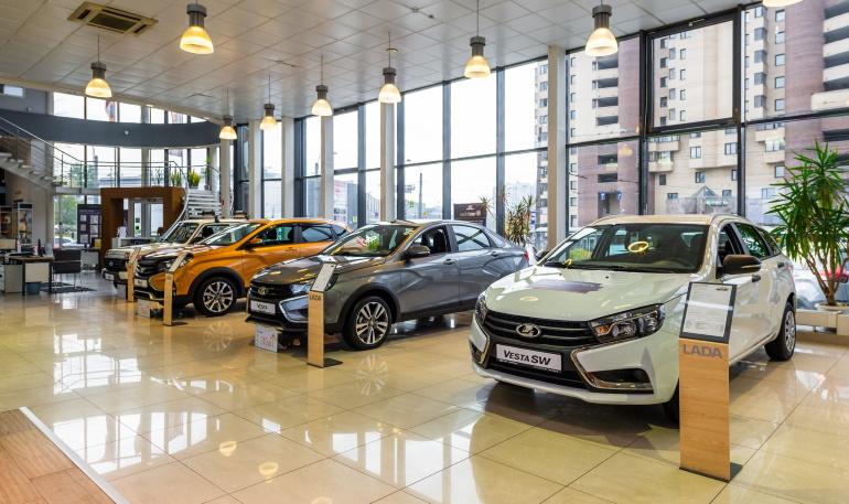 """Недостаток комплектующих изделий: по этой причине концерн """"АвтоВАЗ"""" на несколько дней останавливает производство автомобилей"""