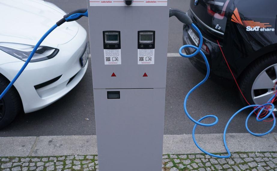 Эксперт по вопросам изменения климата рассказал, когда все россияне пересядут на электромобили