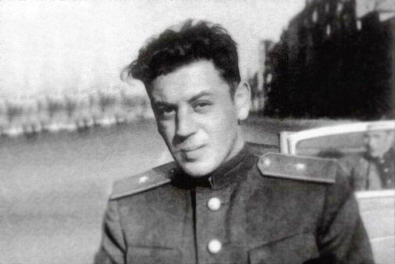 Их брак вызывает больше вопросов, чем ответов: кем была последняя жена Василия Сталина