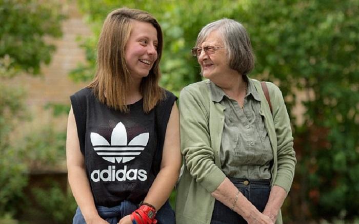 Недовольны своим внешним видом: популярные заблуждения молодежи о пожилых людях