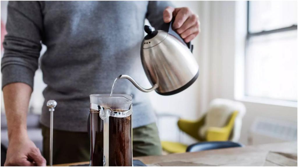"""У нас его используют в основном для чая, а вот кофе во """"французском кофейнике"""" получается идеальным (как им правильно пользоваться)"""