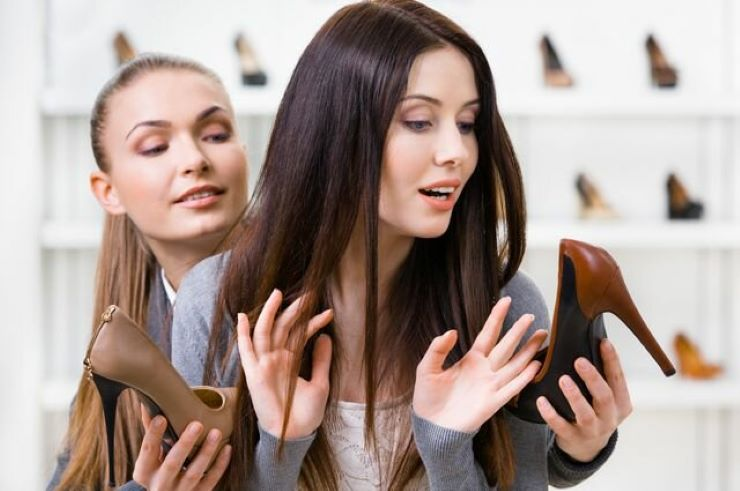 Искаженные зеркала, музыка: трюки, которые используют продавцы одежды для обмана