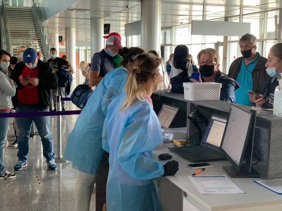 Российские туристы уже могут посещать Черногорию без предъявления результатов ПЦР-тестов на наличие коронавируса и без визы