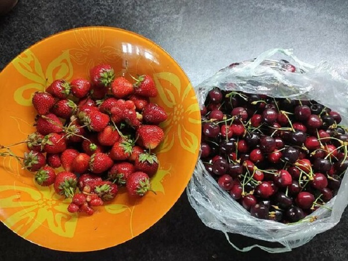 Внимание на зернышки: как выбрать клубнику и черешню