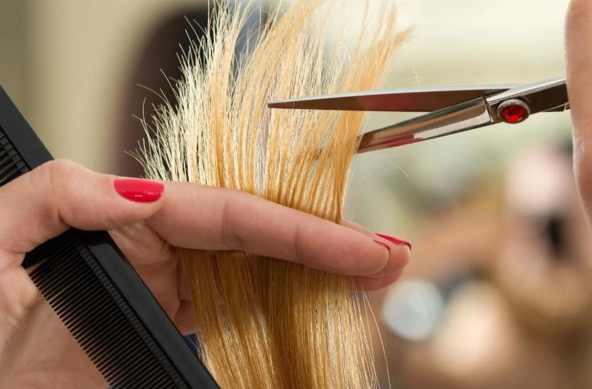 Вместо краски стоит использовать хну: мифы об уходе за волосами