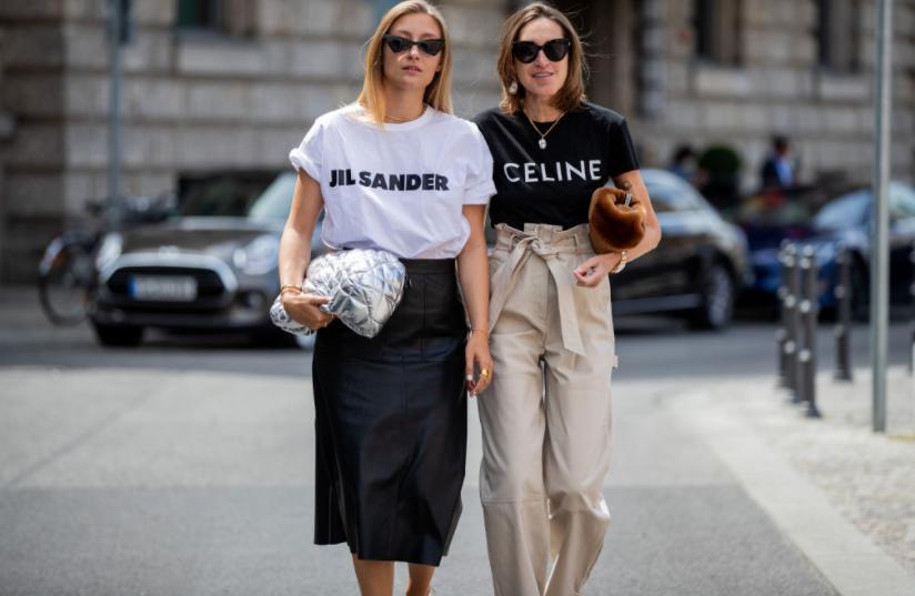 Футболки с логотипом, шорты бермуды и не только: летняя одежда, вышедшая из моды