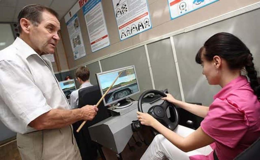 Новая форма обучения планируется в российских автошколах