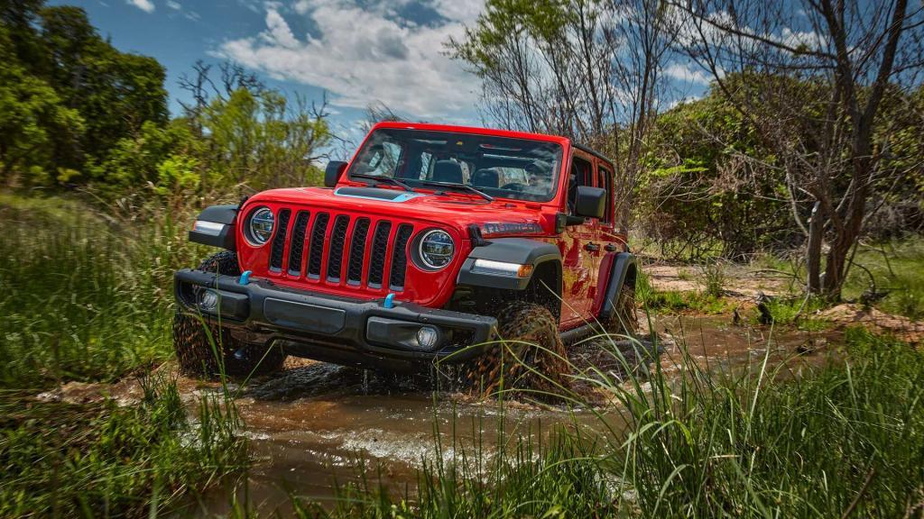 «40,4» - это дорожный просвет или запас хода: загадочный знак производителя Jeep