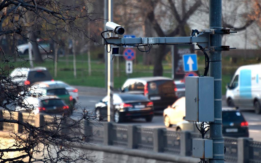 """Штрафов станет больше: российские камеры научатнаходить водителей с большим числом неоплаченных """"писем счастья"""""""