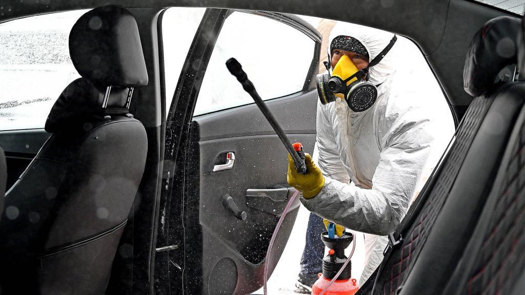 Эксперт подсказал самый дешевый, но эффективный способ дезинфекции автомобиля
