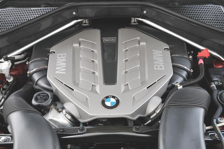 """Возможно, раньше машиной владел """"гонщик"""": причины не покупать подержанный BMW"""