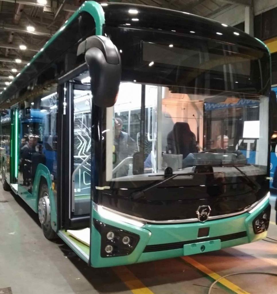 Завод ГАЗ создал новый автобус — GAZ Citymax-12. Машина эксплуатируется на 3 типах силовых установок: метановая, дизельная, электрическая