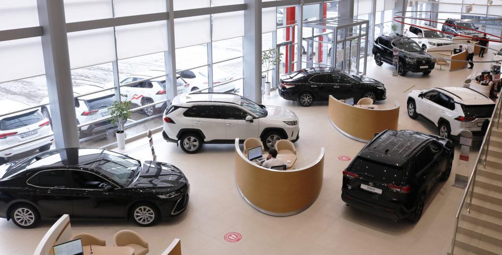 """""""Нарисовать портрет"""" в голове и идти в салон в конце отчетного периода: как сэкономить при покупке нового автомобиля в 2021 году"""