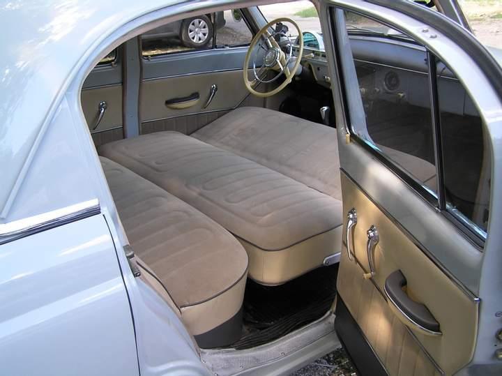 Как и выспаться в машине, и обезопасить себя от неприятностей: советы автомобилистам