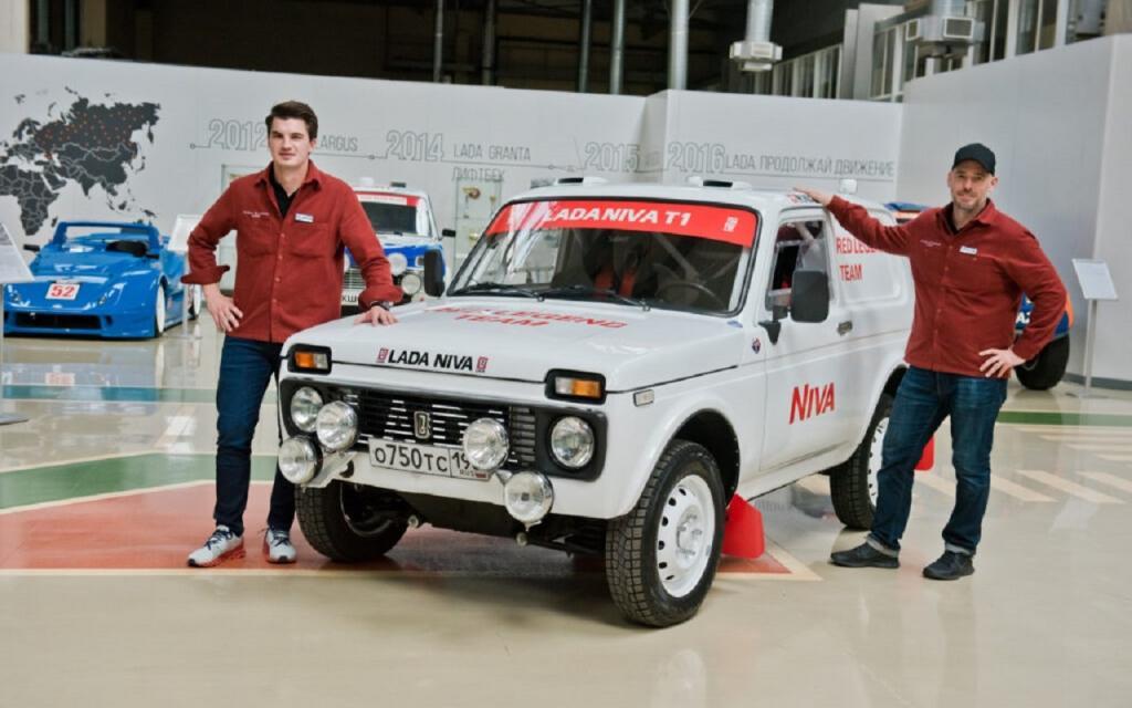 При участии АвтоВАЗа доработана Lada Niva 1984 года выпуска. Машина с гонщиками Швейцарии примет участие в ралли-рейде «Дакар-2022»