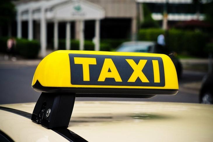 Отстранить и запретить: водителям, систематически нарушающим ПДД, будет заказана дорога в таксисты