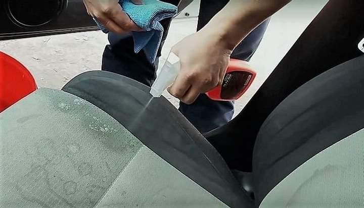 Химчистка автомобиля своими силами: чего надо бояться и как очистить салон сухим способом