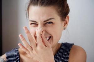 Какие продукты могут стать причиной неприятного запаха тела?