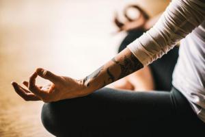Как медитация может вам навредить? 7 неожиданных путей