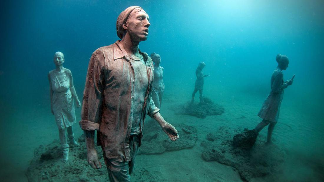 что находится на самом дне океана фото оказались, везде