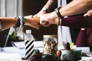 Холдинг КиПиАй: отзывы о популярных способах организовать работу персонала