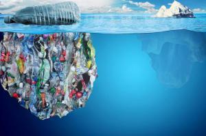Мы видим только верхушку айсберга... 99,99 % пластика в мировом океане скрыто от людских глаз