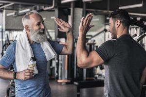 Какие спортивные упражнения противопоказаны 50-летним людям?