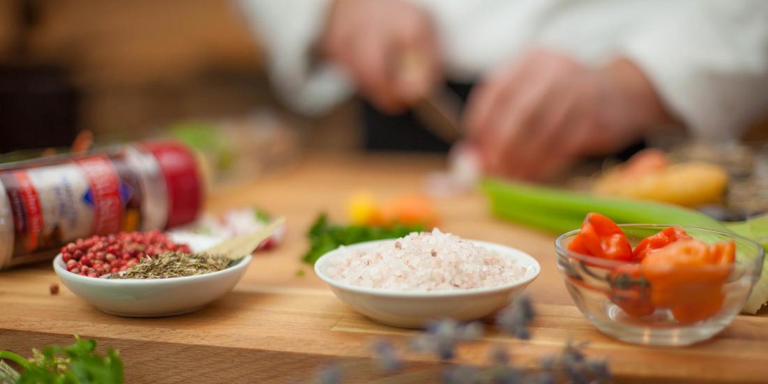Картинки использование соли в кулинарии