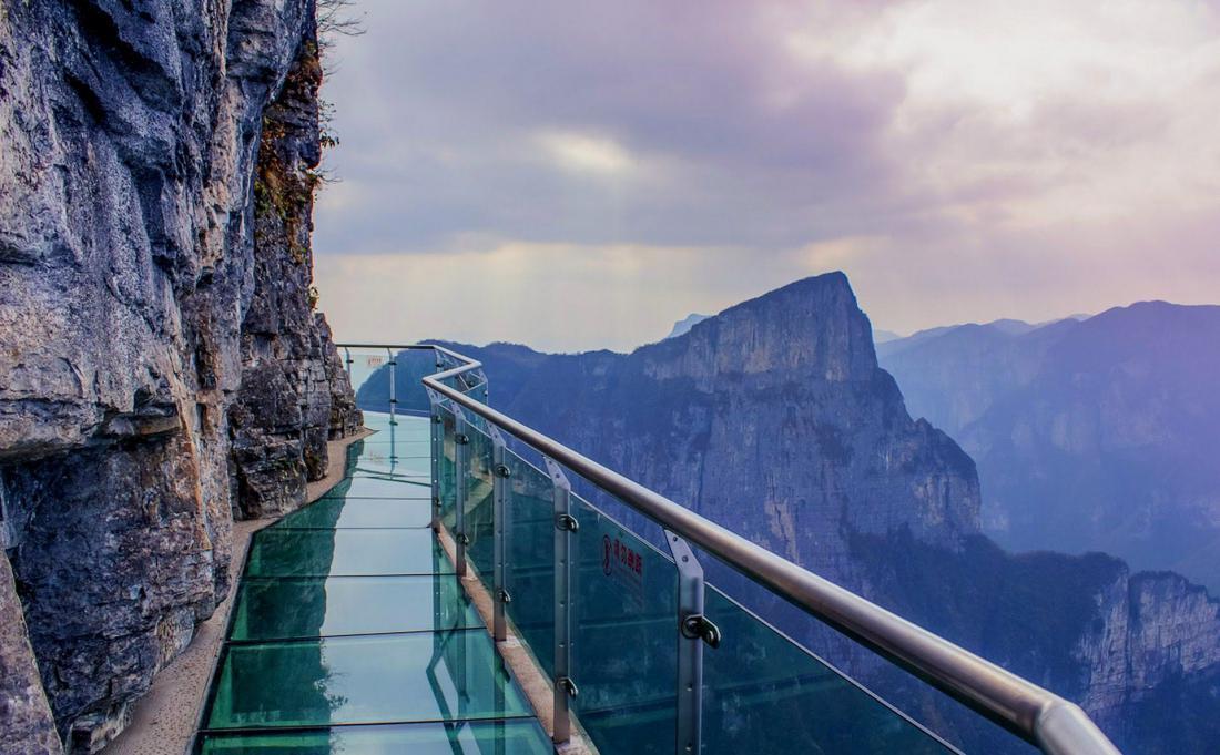 лиза довольно стеклянный мост в японии фото нас, хоть