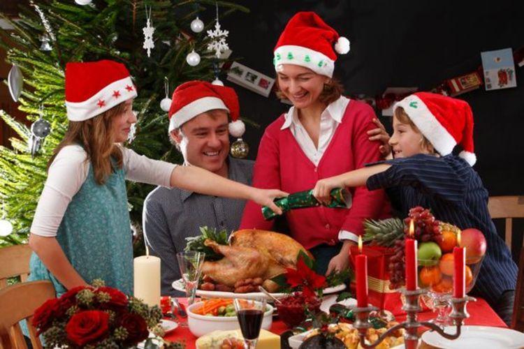 картинка праздник новый год семья на английском банановый мильфей медовыми