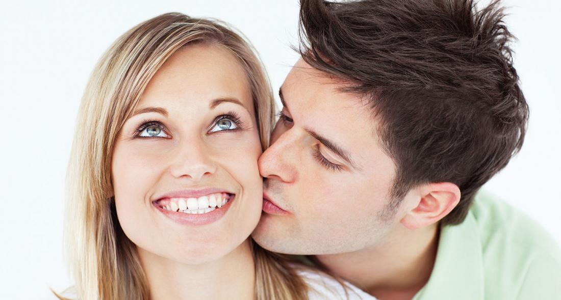 Ученые выяснили почему люди целуются