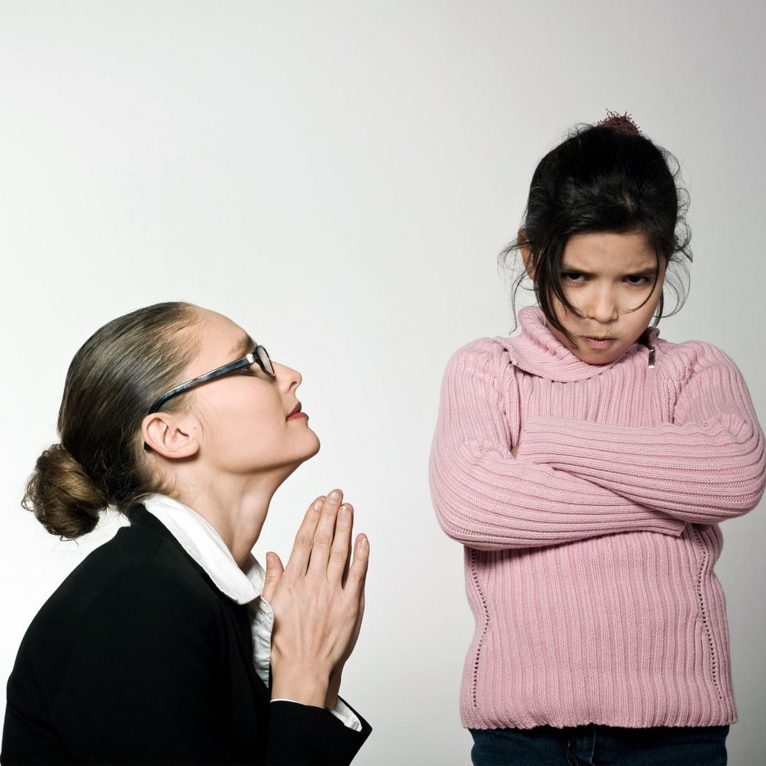 почему у ребенка пахнет изо рта печенкой
