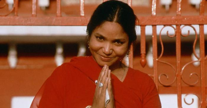 phoolan devi essay Feministory: phoolan devi  roy's essay was instrumental in the creation of a judgment in india that states the rape of a still-living phoolan  saumya.