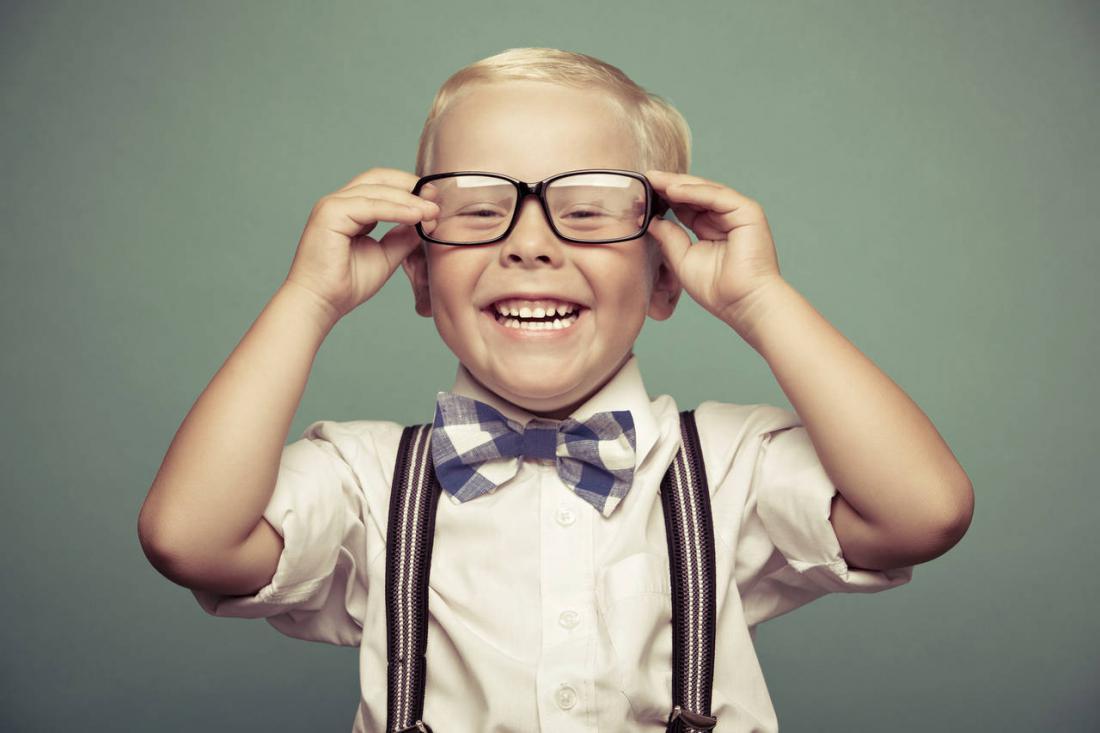 Картинки мальчик в очках и умный