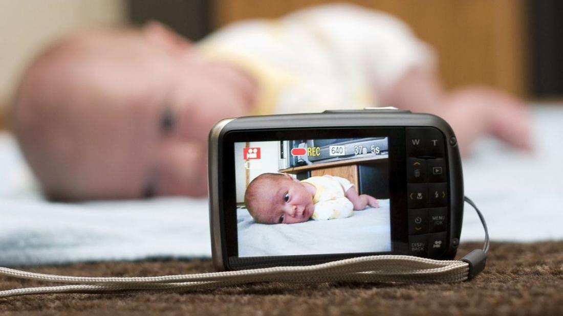 Почему нельзя выкладывать фото детей в интернет