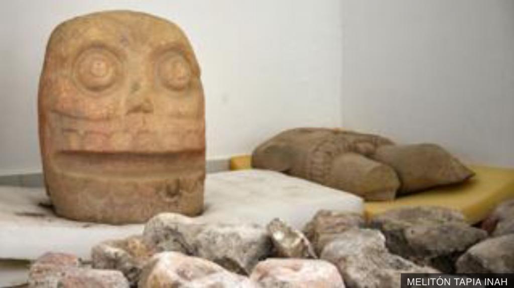 """Археологами из Мексики был обнаружен храм """"Облаченный бог"""" пред-ацтекской эпохи"""