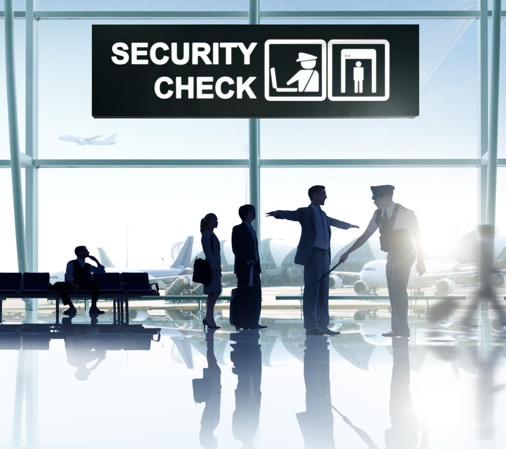 Почему нас просят снимать ремни при проверке в аэропорту