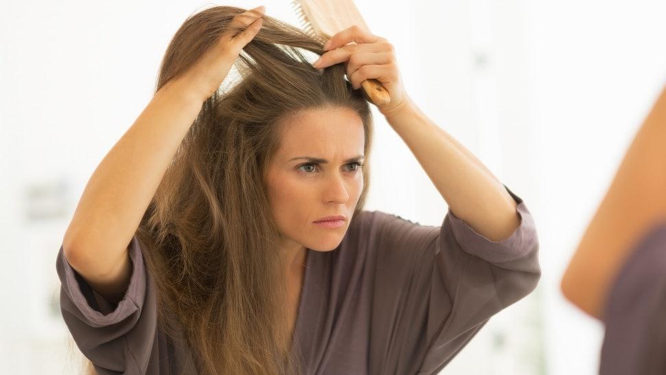 8 интересных причин, почему не стоит вырывать седые волосы